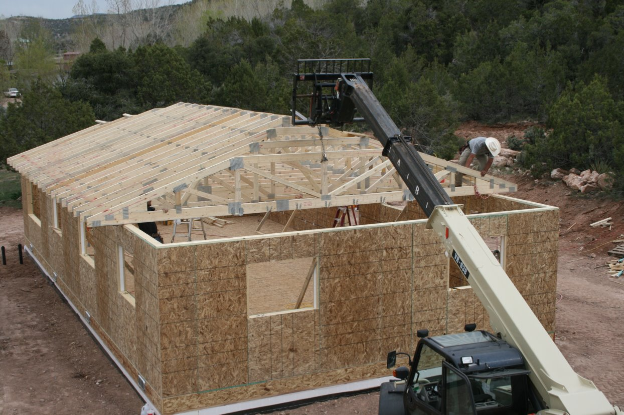 How to install trusses better life for Roof trusses installation